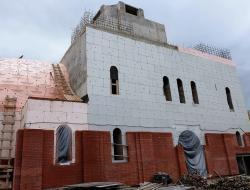 Владимир Ресин поставил задачу строителям сдать храм Спиридона Тримифунтского в эксплуатацию в первом квартале 2018 года