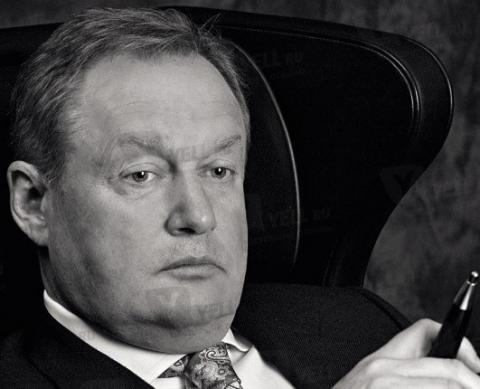 Странное положение Михаила Посохина: свой среди чужих, чужой среди своих…