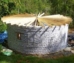 Как построить дом из мешков с землёй